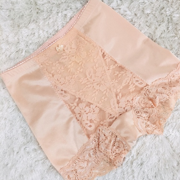 5da38374b67 Peach Lace Sissy Panties Girdle Boyshort Small. M 5c7b08bf409c155743867190